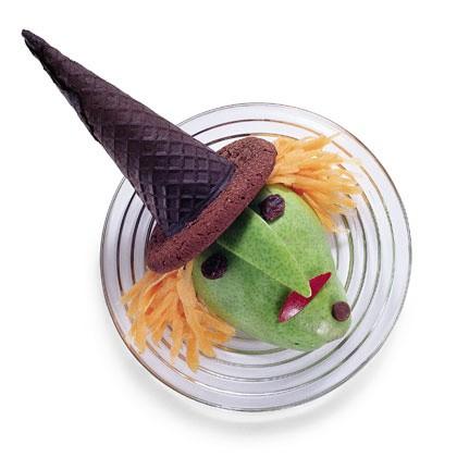 Hoe kun je als Halloween traktatie een heks van fruit maken?