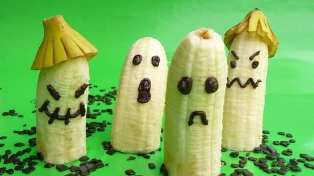 Halloween hapje of kindertraktatie: halloween spoken van banaan.