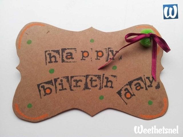 Kaarten maken: een originele verjaardagskaart maken met stempels en pompons.