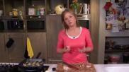 Heerlijke Italiaanse salade met rucola gegrilde courgette en ham