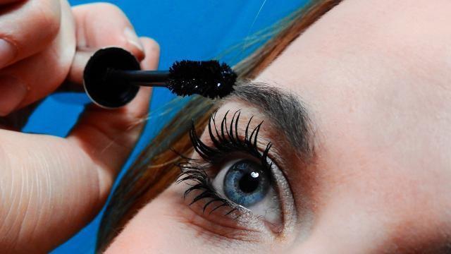 Hoe-kun-je-mascara-opdoen-zonder-dat-het-klontert