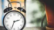 Hoe kun je het slaapritme van je kind aanpassen Bijv bij het verzetten van de klok