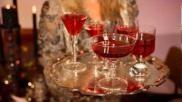 Hoe kun je snel en makkelijk een tafel voor Kerst versieren