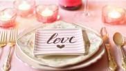 Hoe kun je met Valentijnsdag de eettafel feestelijk decoreren