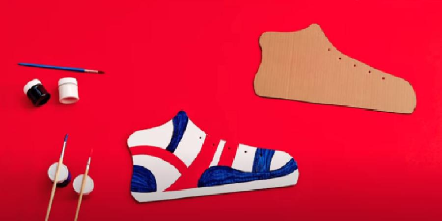 De schoen versieren met verf