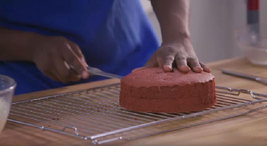 Cake doormidden snijden