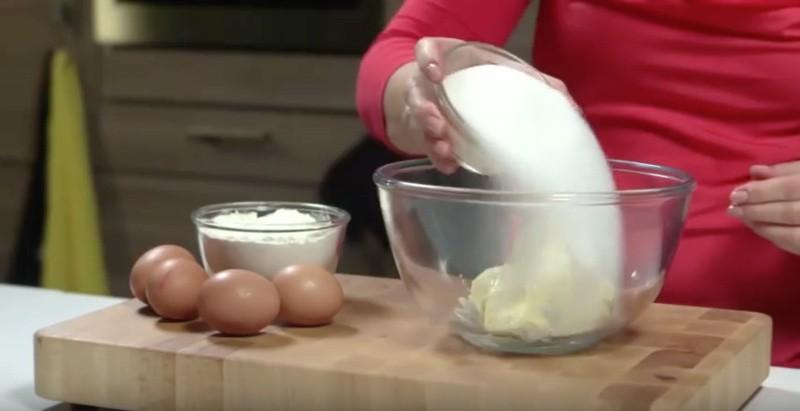 Beslag voor de cake maken
