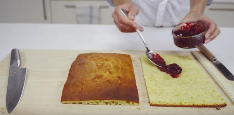 Cake doormidden snijden en vullen