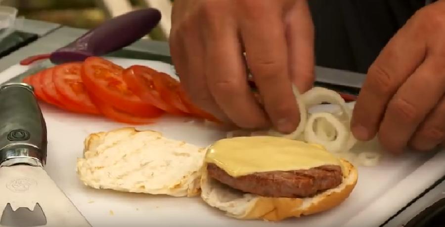 De broodjes hamburger maken