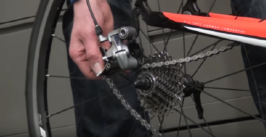 Het achterwiel van je racefiets weer monteren