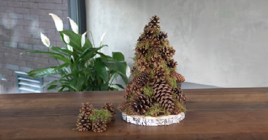De gaten in het kerstboompje opvullen