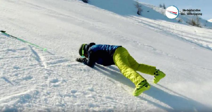 Vallen met je ski's uit