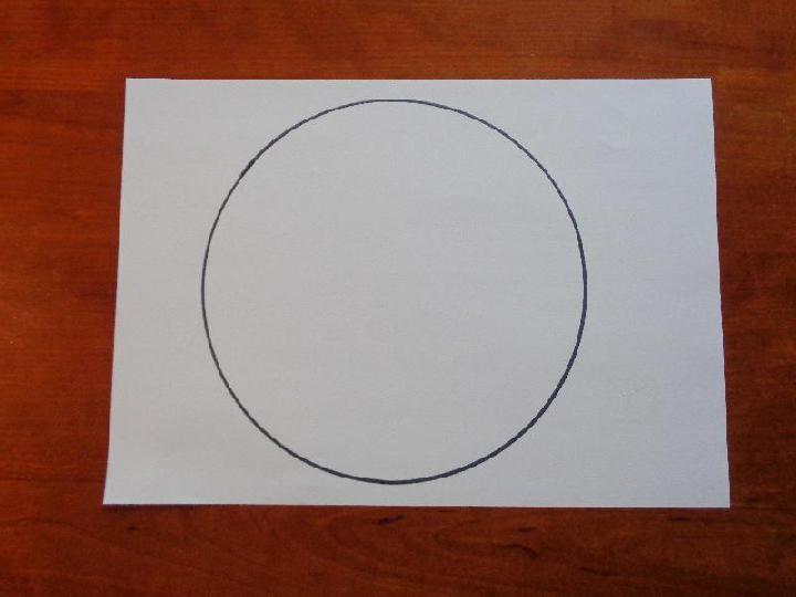 Een trechter maken van een rond stuk papier