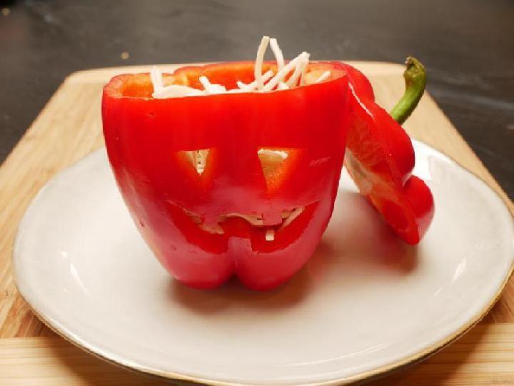 Vullen van de Halloween paprika