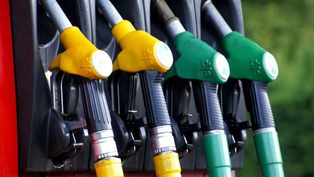 Hoe kun je besparen op het verbruik van je auto? Tips en advies.