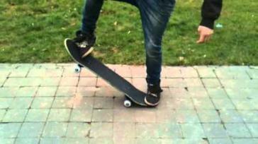 Hoe doe je met skateboarden de ollie