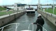 Hoe kun je een sluis passeren met een boot