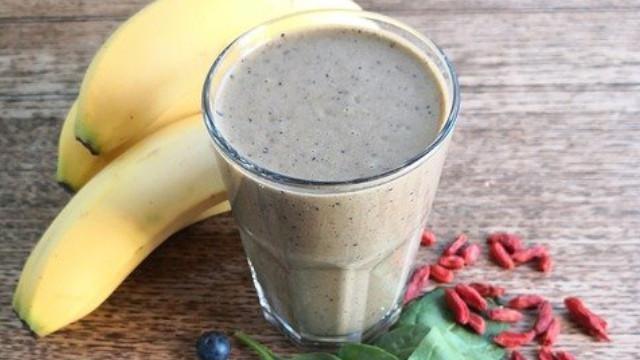 Hoe maak je een gezonde groene smoothie als ontbijt?