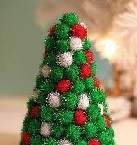 Hoe kun je van pompoms (pompoenen) een kerstboom maken?