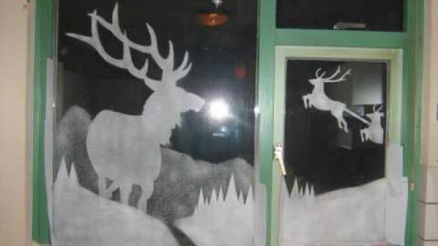 Hoe-kun-je-een-kerst-raamdecoratie-maken