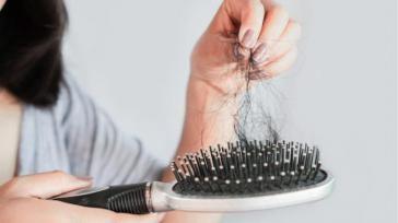 Hoe kun je een haarborstel reinigen