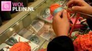 Hoe kun je een leuke oranje sjaal breien voor Koningsdag of het WK