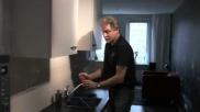Schoonmaaktips het ergonomisch wringen van een doekje
