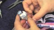Hoe kun je een sleutelhanger maken met linten en kralen