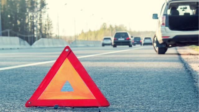 Autopech-langs-de-snelweg-wat-moet-je-doen
