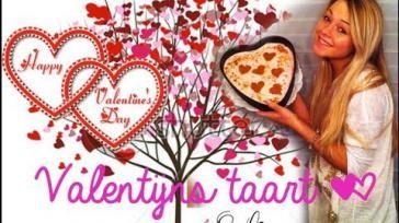 Valentijnstaart kwarktaart in de vorm van een hart
