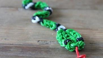 Loom beestjes loomen slang met een grappige kronkel