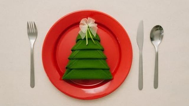 Kerstidee-servetten-vouwen-als-kerstboom
