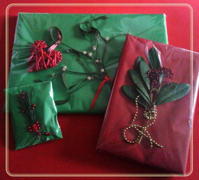 Kerstidee: een feestelijke cadeau-verpakking voor je kerstcadeau.