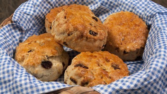 Recept scones: van speltmeel en zonder suiker.