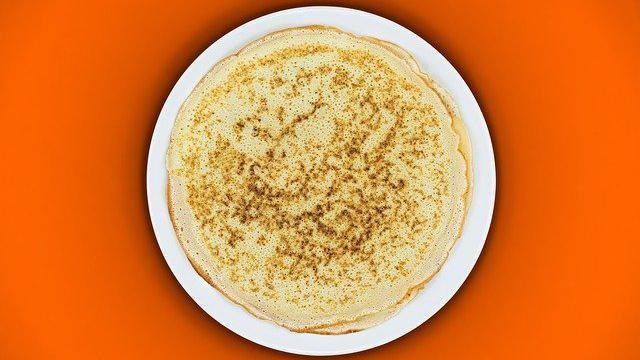 Pannenkoeken zonder eieren en zonder zuivel: van emmermeel (of speltmeel).