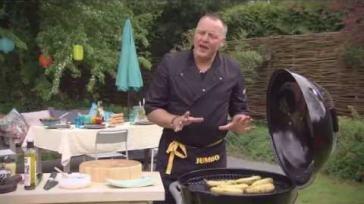 Makkelijk BBQ recept gebakken banaan met gesmolten chocolade