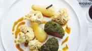 Culinair recept tournedos met een kruidig korstje stoofperen en bloemkool met saffraan
