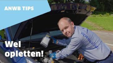Zelf de olie van je auto peilen en bijvullen Uitleg en handige tips