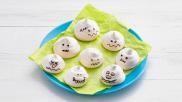 Halloween traktatie griezelige meringue spookjes maken