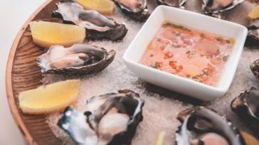 Recept oesters bereiden met drie verschillende vinaigrettes