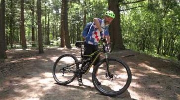 Hoe kun je op je mountainbike snel en veilig een bocht nemen