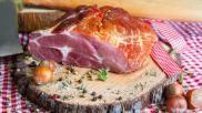 Carpaccio maken het vlees in dunne plakken snijden