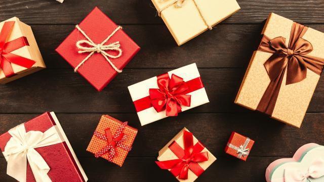Kerst dobbelspel: speluitleg en regels voor het spelen.