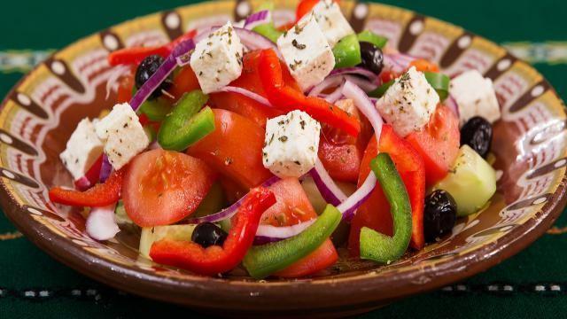 Een snelle en simpele Griekse feta salade maken.