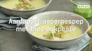 Rijkgevulde aardappel aspergesoep met bieslook en garnalen