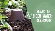 Zelf een bloempot waterreservoir maken voor buitenplanten
