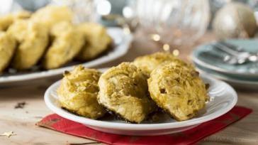Bladerdeeghapjes met peer gorgonzola en honing maken