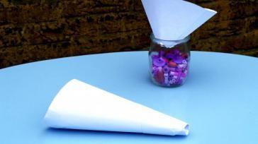 Hoe kun je een trechter maken van papier