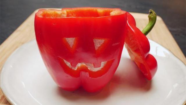 Hoe-maak-je-een-Halloween-paprika