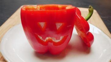 Hoe maak je een Halloween paprika
